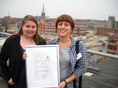 """1. Platz beim Förderpreis """"aktiv für junge Menschen"""" der Stiftung Bürgerwaisenhaus. Siegerehrung am 26.03.2011."""